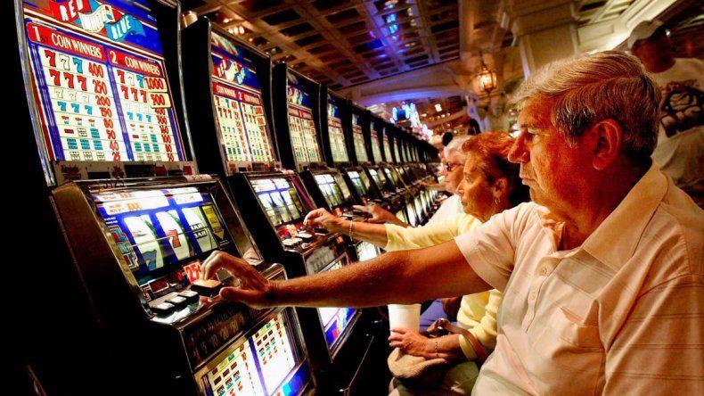 Las máquinas tragamonedas son la perdición de los apostadores en Australia.