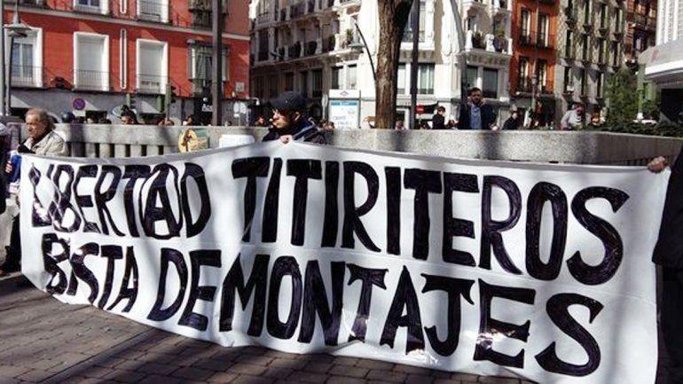 Manifestantes pidieron ayer la libertad a los artistas en Madrid.