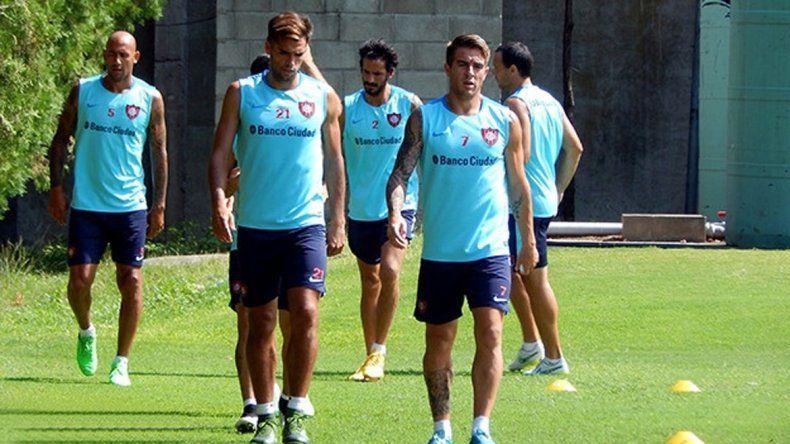 Los laterales titulares de la era Bauza retornan al equipo de Guede.