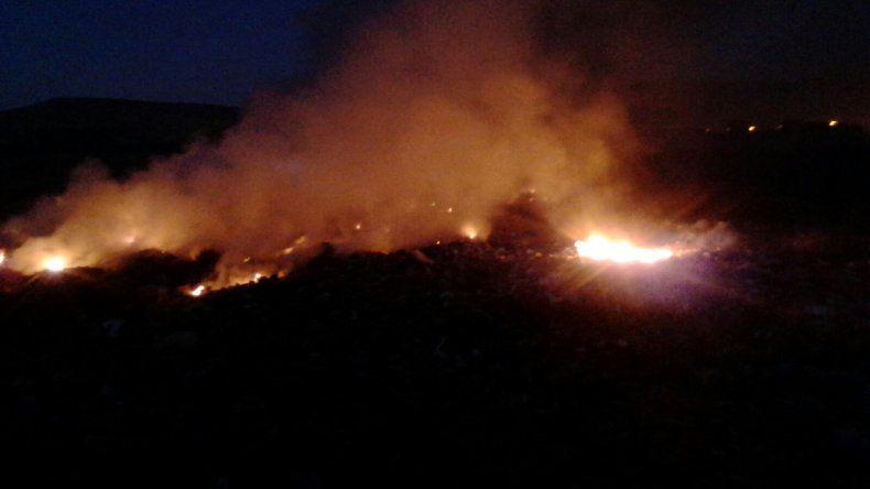 El fuego durante la madrugada.