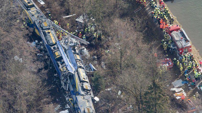 Así quedaron los trenes luego de la colisión en el sur del país europeo.