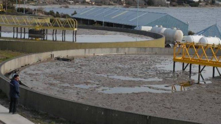La Justicia ordena medidas urgentes por los derrames cloacales en el Nahuel Huapi