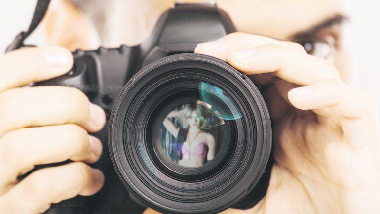 El fotógrafo hemipléjico está denunciado por el abuso sexual de su sobrina