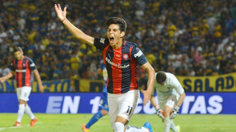 El Pitu Barrientos entró en el segundo tiempo y se lució con dos goles.