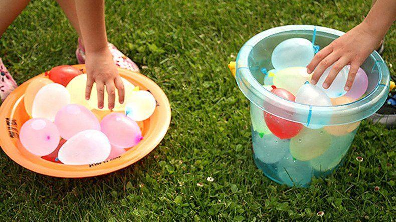 Las bombitas de agua son un clásico en carnaval.
