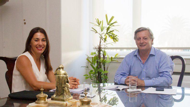 La senadora nacional Lucila Crexell y el ministro de Energía y Minería