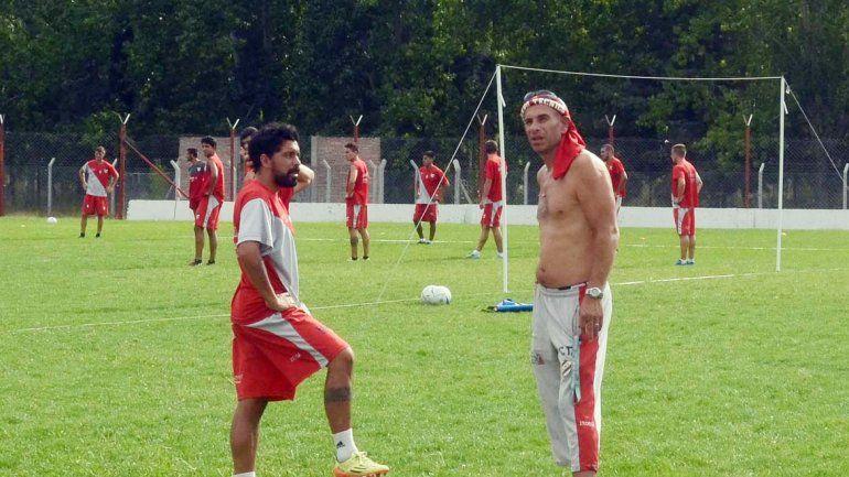 Independiente volvió a entrenarse en el sintético del Decano.
