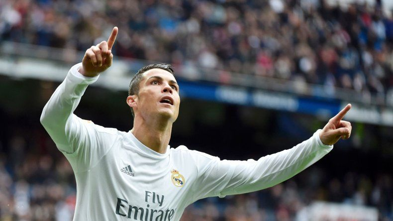 Cristiano Ronaldo festeja uno de sus dos goles.