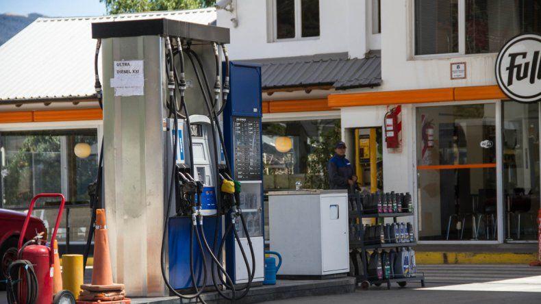 Gobierno evalúa un nuevo aumento en el precio de las naftas