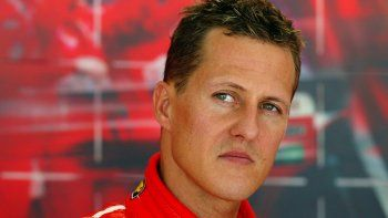 schumacher fue internado en una clinica de paris