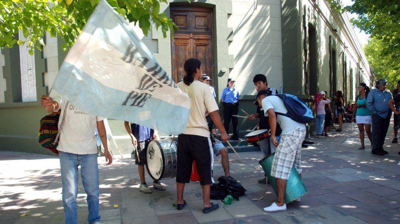 Barrios de Pie pidió aumentar los subsidios para desocupados