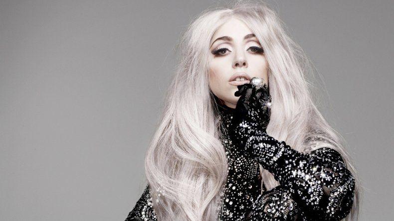 El modisto confesó que su gran desafío es el de vestir a Lady Gaga