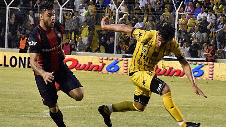 San Lorenzo le ganó a Olimpo en Bahía y quedó en la cima de la zona 1