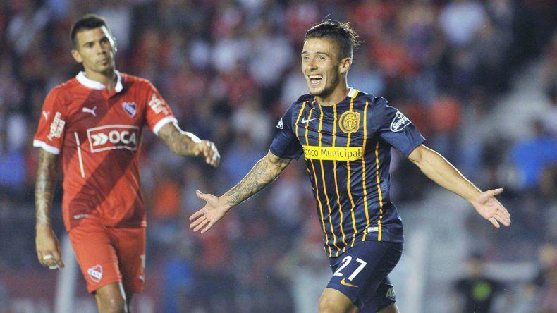Jonás Aguirre festeja su golazo