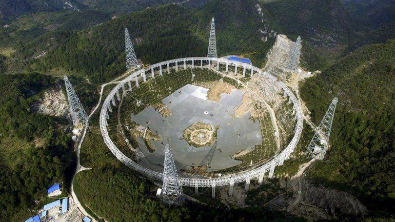 China desaloja a 9.000 habitantes para buscar vida extraterrestre