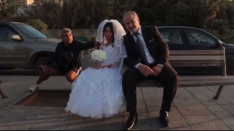 Cómo reacciona la gente cuando ve un matrimonio entre una nena y un adulto