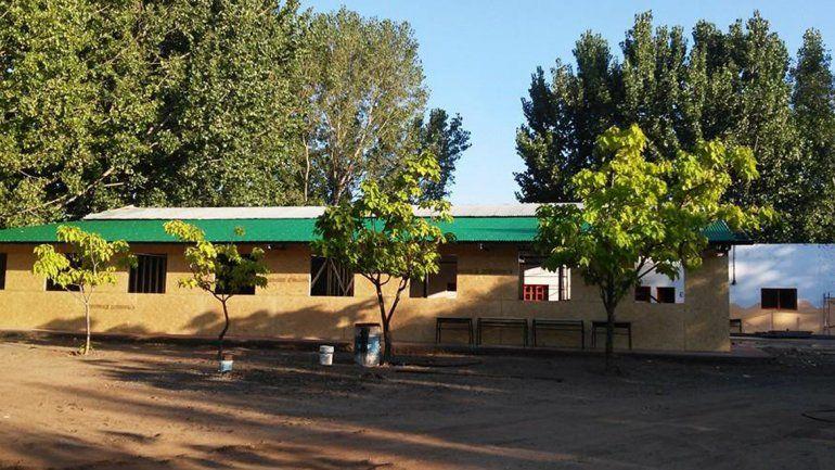 Tras el incendio, hoy comienzan las clases en una escuela de Plottier