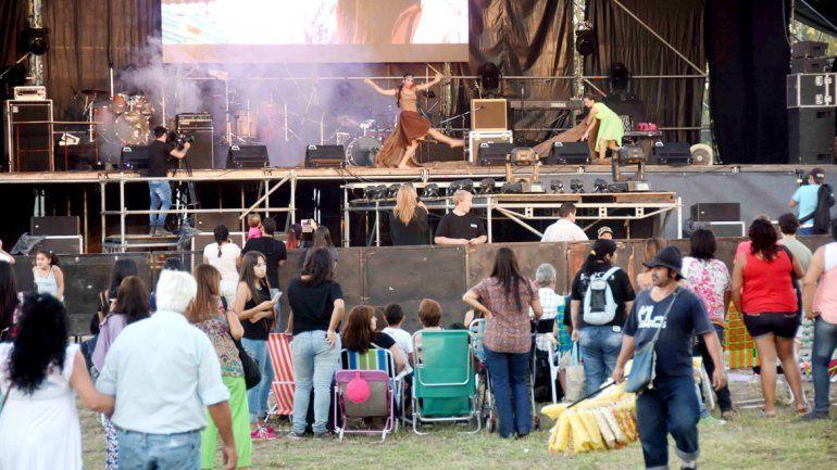 Miles de personas se acercaron al predio Parque Sur desde muy temprano para disfrutar de los diferentes shows.