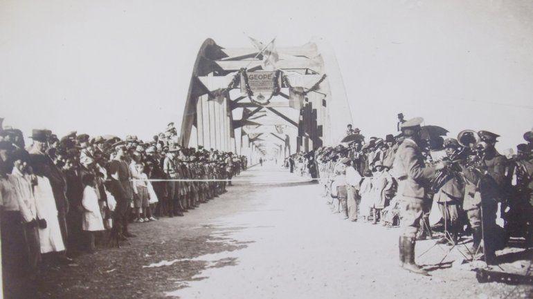 El día de la inauguración vecinos de Neuquén y Cipolletti participaron de una fiesta popular.