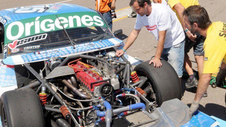 Camilo Echevarría rompió motor y deberá largar desde muy atrás.