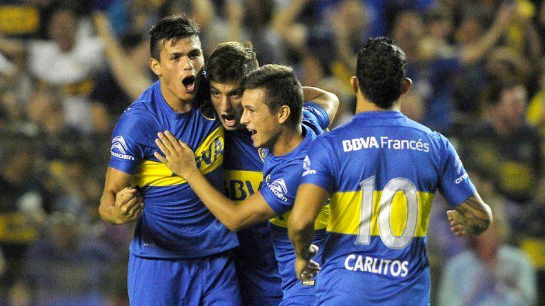 Jonathan Silva festeja el tercero de Boca