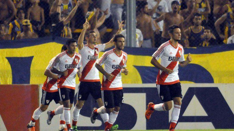 Alario suma 10 goles en 19 partidos desde que viste la camiseta de River y 12 en Primera División.