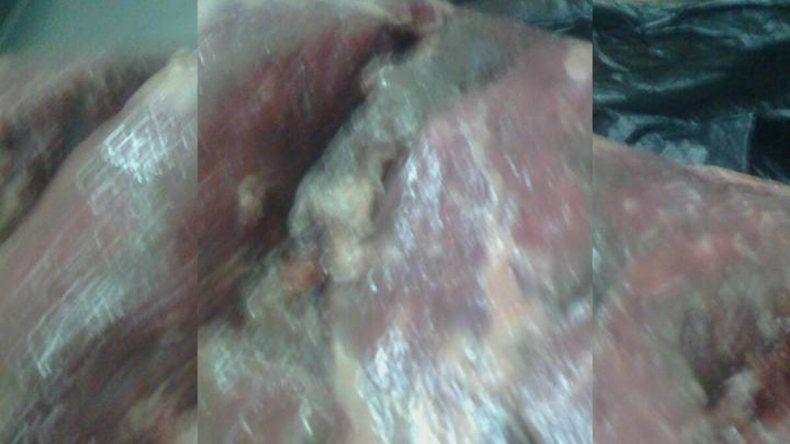 Secuestran 100 kilos de carne en mal estado en un local de comidas