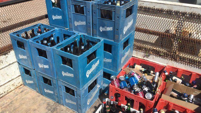 El Municipio secuestró 14 cajones de cerveza y más de 100 botellas de alcohol.