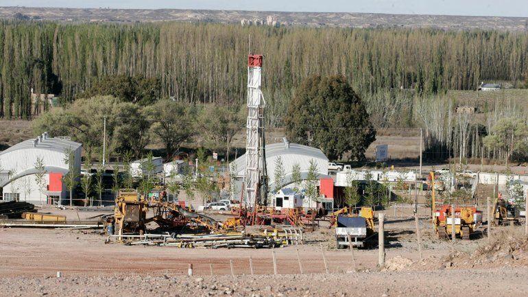 Los petroleros pedirán una suba salarial del 40%.