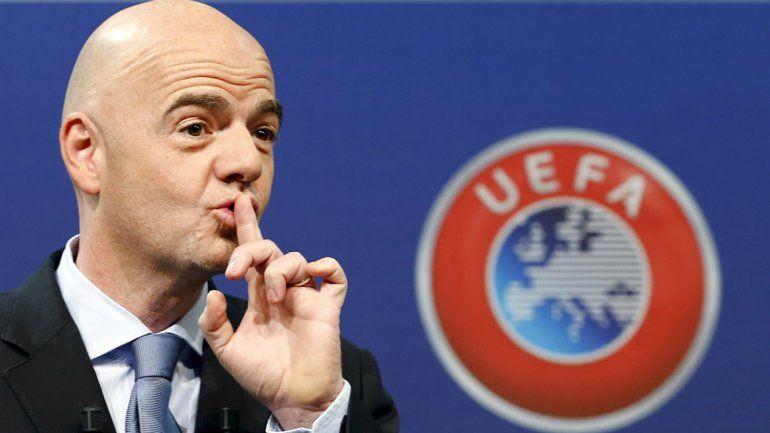 Otro suizo será el presidente de una FIFA hundida en la corrupción