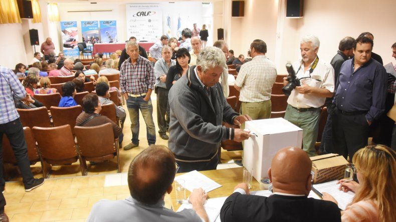 Fueron 92 los representantes que eligieron al nuevo consejo de administración.