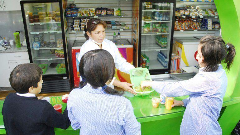Opción a mano. La idea es que los chicos coman mejor y más sano.
