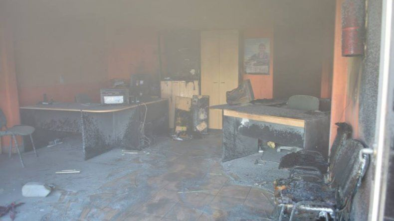 Relatos salvajes: incendió una aseguradora porque no le cubría los daños de su auto