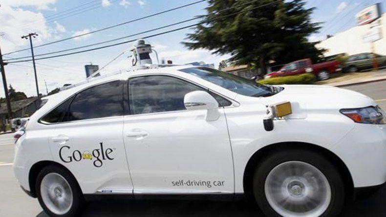 Los autos están dotados de cámaras y sensores.