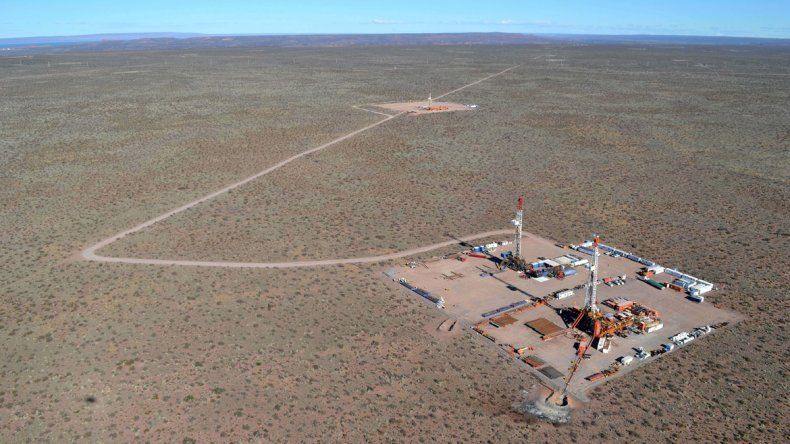 Las petroleras se suben al cambio y piden beneficios