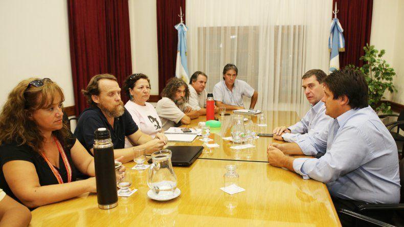El ministro Mariano Gaido permanece reunido con los dirigentes de ATEN.