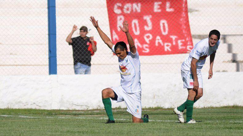 Mario Barros fue un histórico goleador de Maronese.