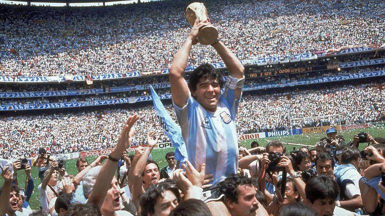 Maradona. Volverá a ser retratado en la pantalla grande con material inédito que hará revivir sus glorias