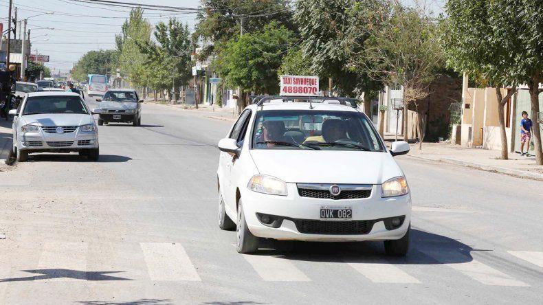 Los taxistas revisaban la tarifa una vez al año. Pero la economía se complicó y ahora piden hacerlo en marzo y septiembre por ordenanza.