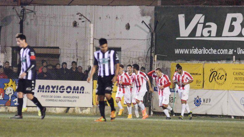 El defensor celebra el gol del triunfo de visitante ante Cipo
