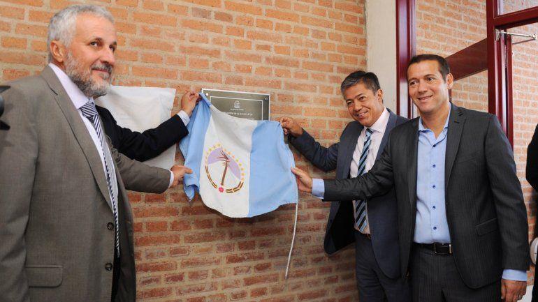 Peressini inauguró las instalaciones junto al gobernador Gutiérrez.