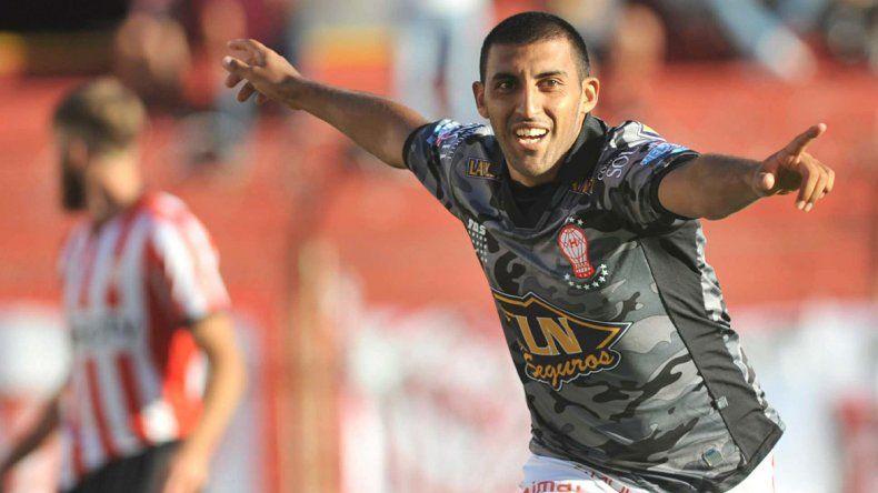 El 9 de Huracán le dio el gol de la victoria a su equipo.