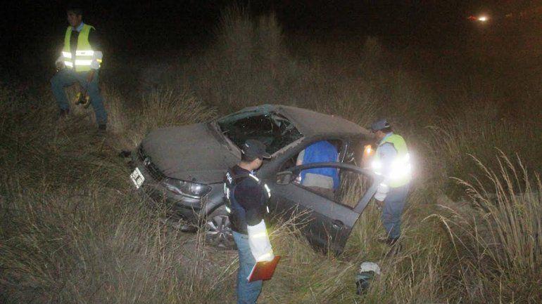 Junín de los Andes: perdió el control del auto y volcó