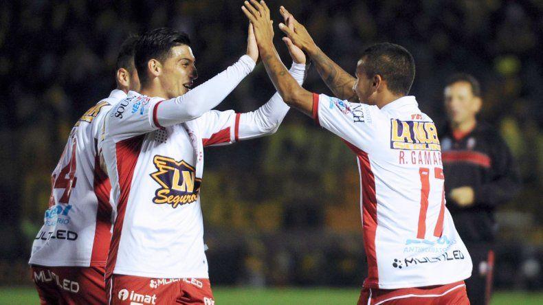 El equipo de Domínguez quiere encaminar la clasificación a octavos.