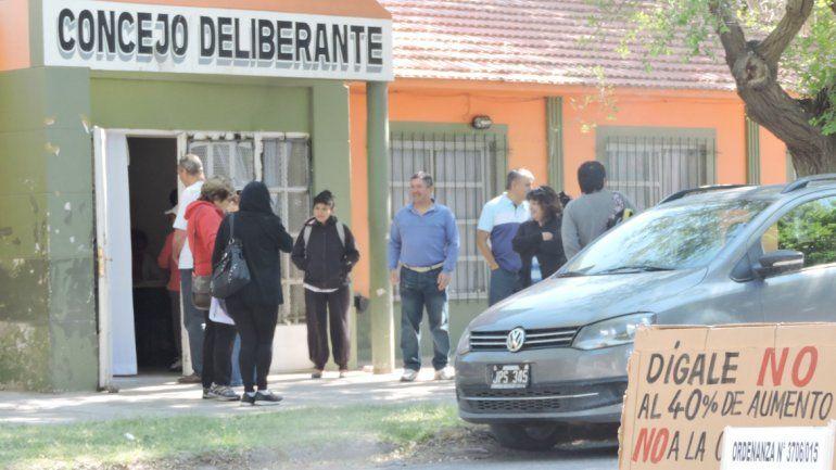 La iniciativa popular generó la participación de los vecinos de Plottier.
