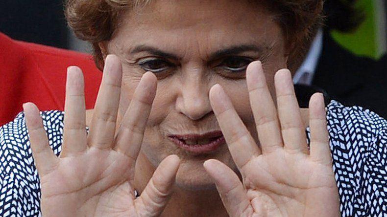 ¿Manos limpias? El partido de Dila Rousseff (PT) está contra las cuerdas.