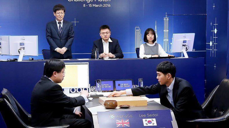 Lee Se-Dol (derecha)