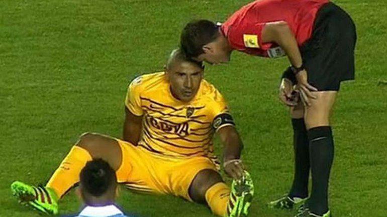 El Cata se lesionó en el comienzo del partido.