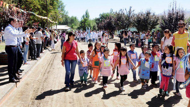 El gobernador visitó Tricao Malal y Villa Curí Leuvú.