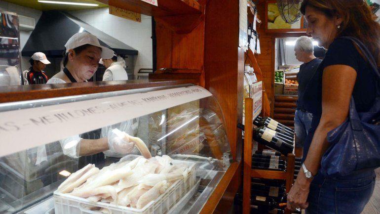 Las pescaderías de la ciudad ya notan un movimiento mayor